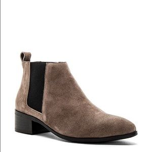 Raye Kat Booties in Suede Leather Color Stone Grey